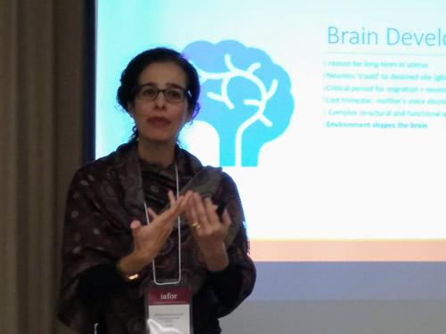 Linguagem, aprendizagem e desenvolvimento: perspectivas Sobre aquisição linguística e funcionamento cerebral
